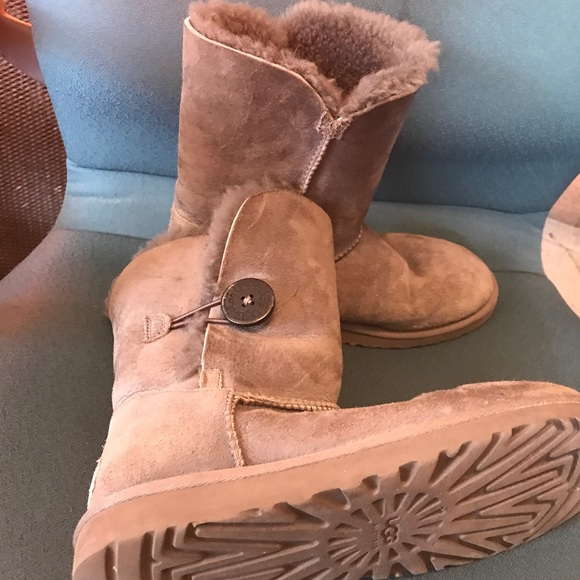 Light gray used Ugg Boots